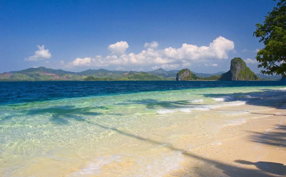 世界美景小岛最多国家,往返机票不超一千,游客:适合情侣旅游!