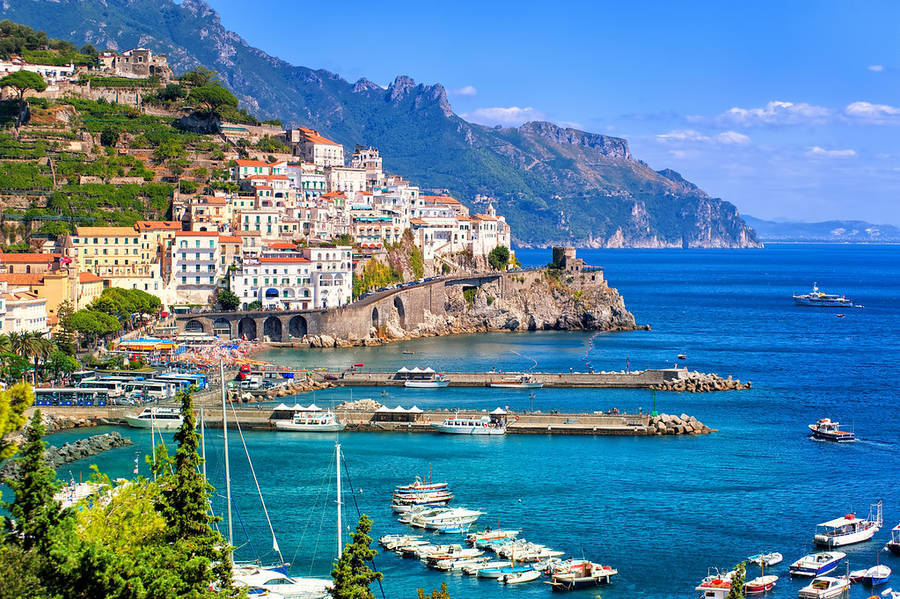 波西塔诺|  位于意大利坎帕尼亚大区阿马尔菲海岸?沿岸