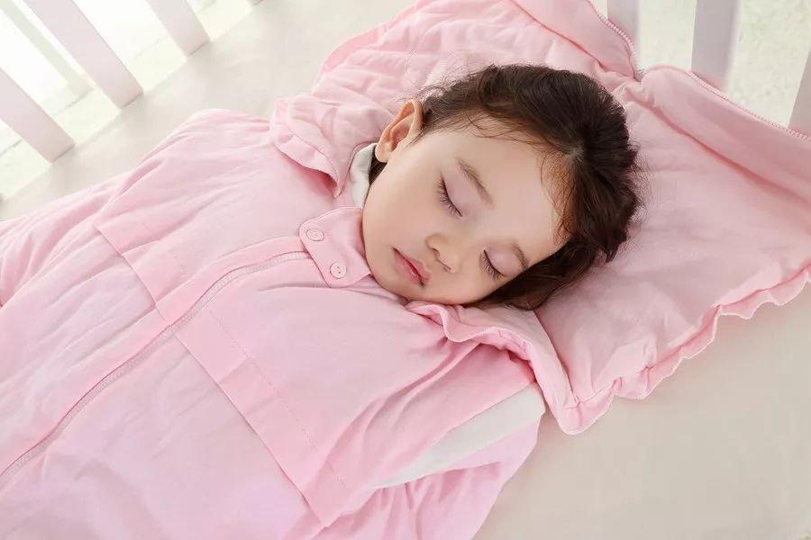 别穿文胸睡觉:长期穿文胸睡觉有坏处吗
