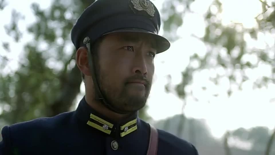 军官抓到鬼子陆战队队长,直接为兄弟报仇,一刀一刀砍死鬼子的!