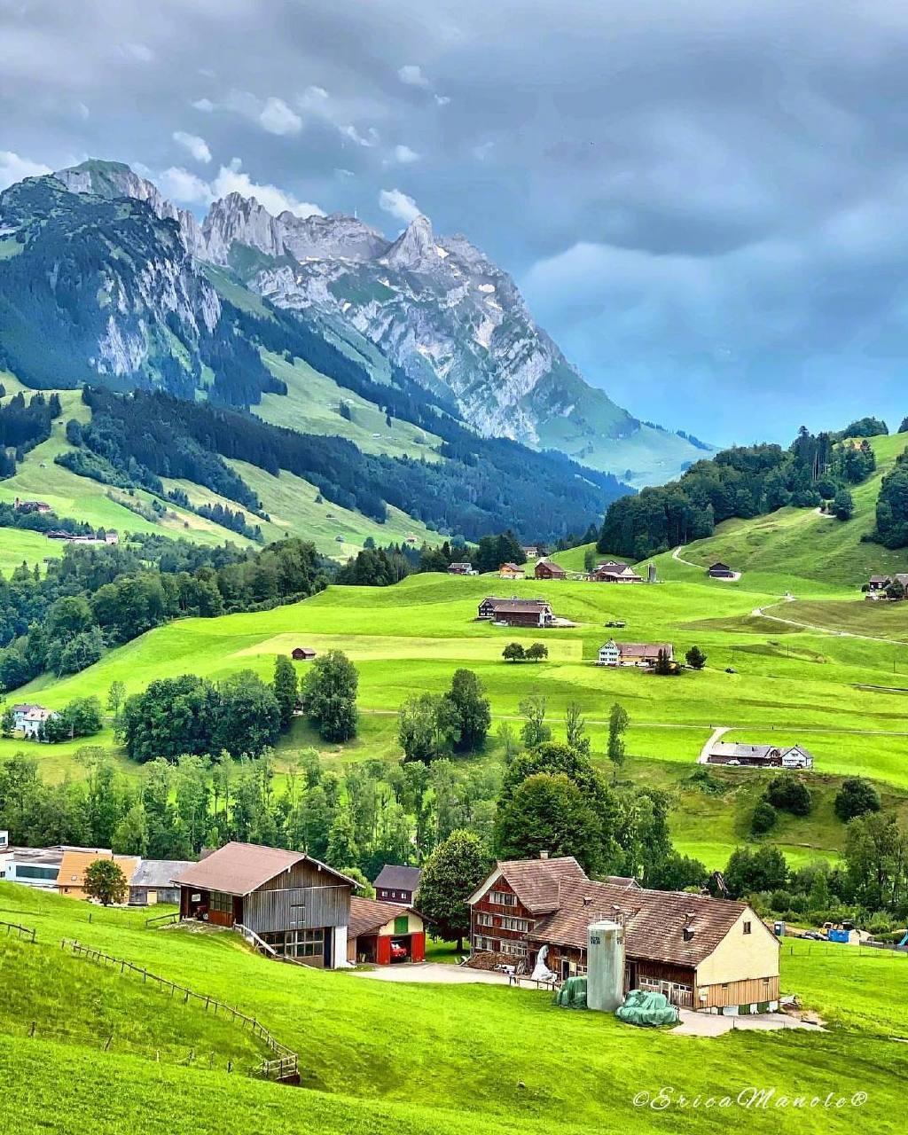 七月的瑞士