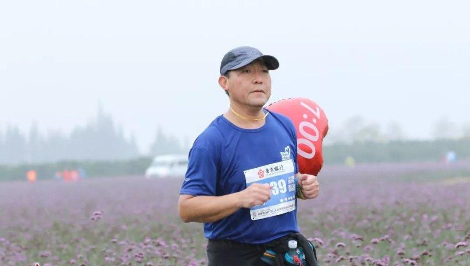 """2018""""蟹""""逅高马,法律人的""""正义蓝""""成最亮眼风景线"""