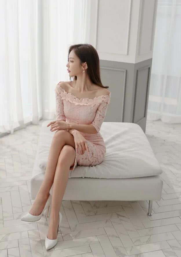 孙允珠:时尚简约的连衣裙,尽显女人味,怎么穿都时髦