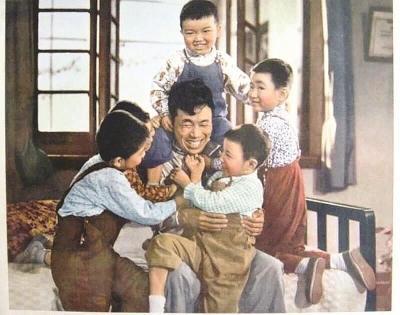 谢晋导演《大李小李和老李》沪语版重映一票难求
