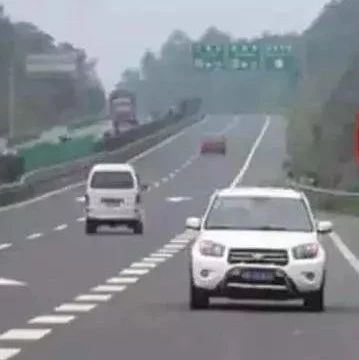 桂林一男子因驾车错过路口 竟在高速公路逆行8公里