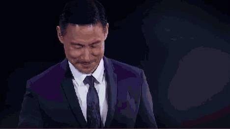 """""""歌神""""张学友飞抵桂林!主动和歌迷打招呼握手(图)"""