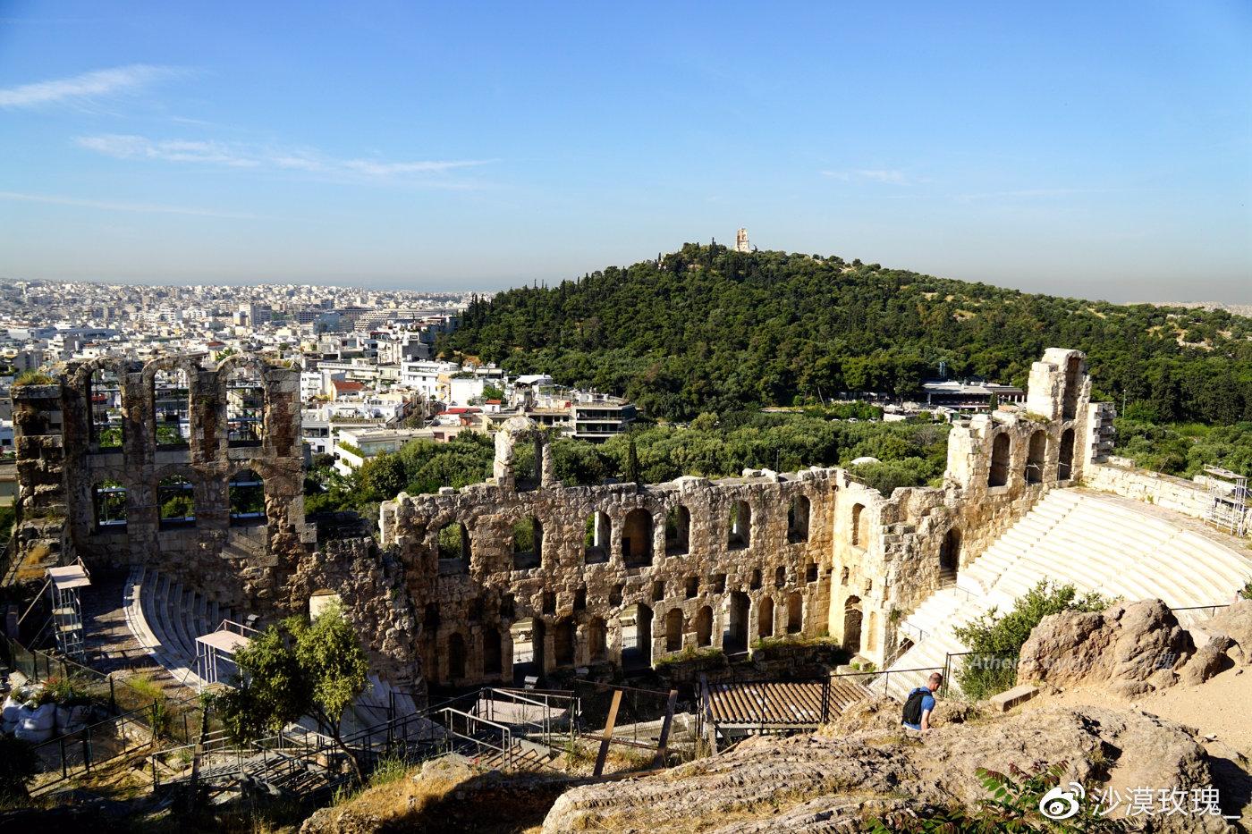 不足300米高的山,传说是雅典娜扔下的石头,雅典最浪漫的地方
