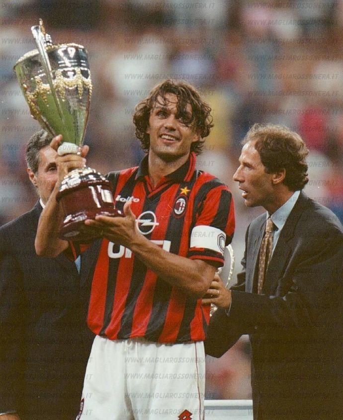 米兰队史上的今天:1997年贝卢斯科尼杯巴雷西马尔蒂尼队长交接