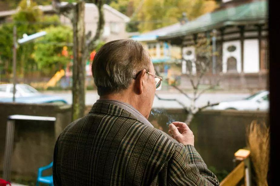 拍摄患癌父亲3年 日本摄影师将祈祷倾注于快门之中