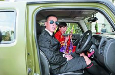 陈小春抱怨应采儿11年不让换车,看到老车,网友:换我也不许换
