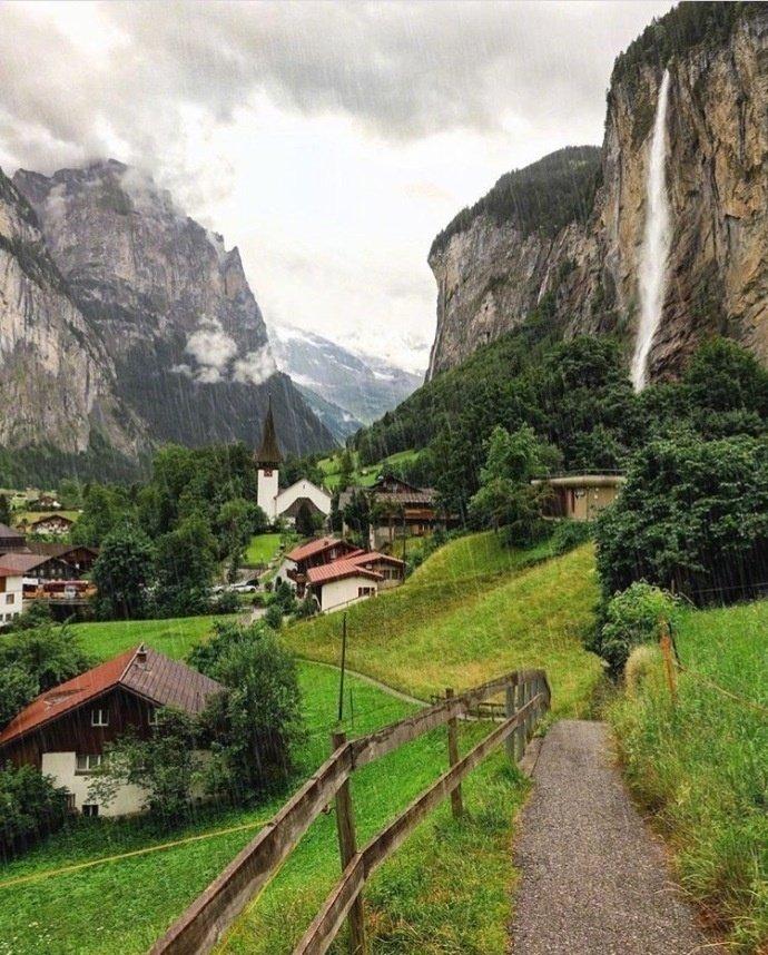 瑞士的劳特布鲁恩小镇 就像童话世界