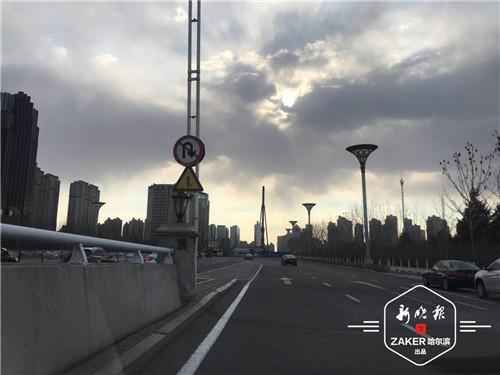 哈尔滨康安路去群力大道下桥后取消掉头 可从这绕行