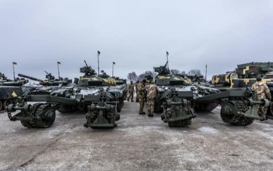 军事资讯_军事资讯:乌克兰东部大规模冲突爆发,俄罗斯炮群已然全面开火!