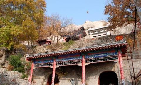 山东烟台莱州旅游景点之寒同山神仙洞