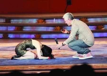 周星驰一手捧红她们,张美娥一心想着报恩,而她却转投赵本山