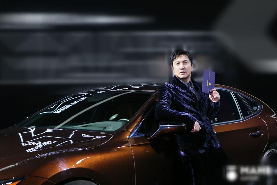 """沈腾摘得""""年度演员""""奖项 实力演技备受认可"""