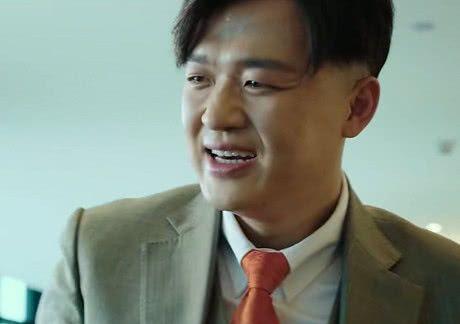 大人物:陈勇强跟赵泰要钱时,谁注意赵泰袖口扣子