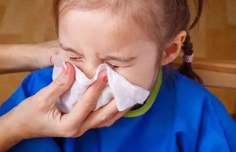 擤鼻涕擤出中耳炎,医生:很多宝妈都做错了,宝宝擤鼻涕要这样做