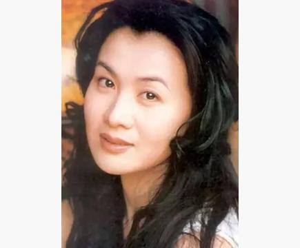 国家一级演员41岁时患癌症去世,死后陈道明为她痛哭