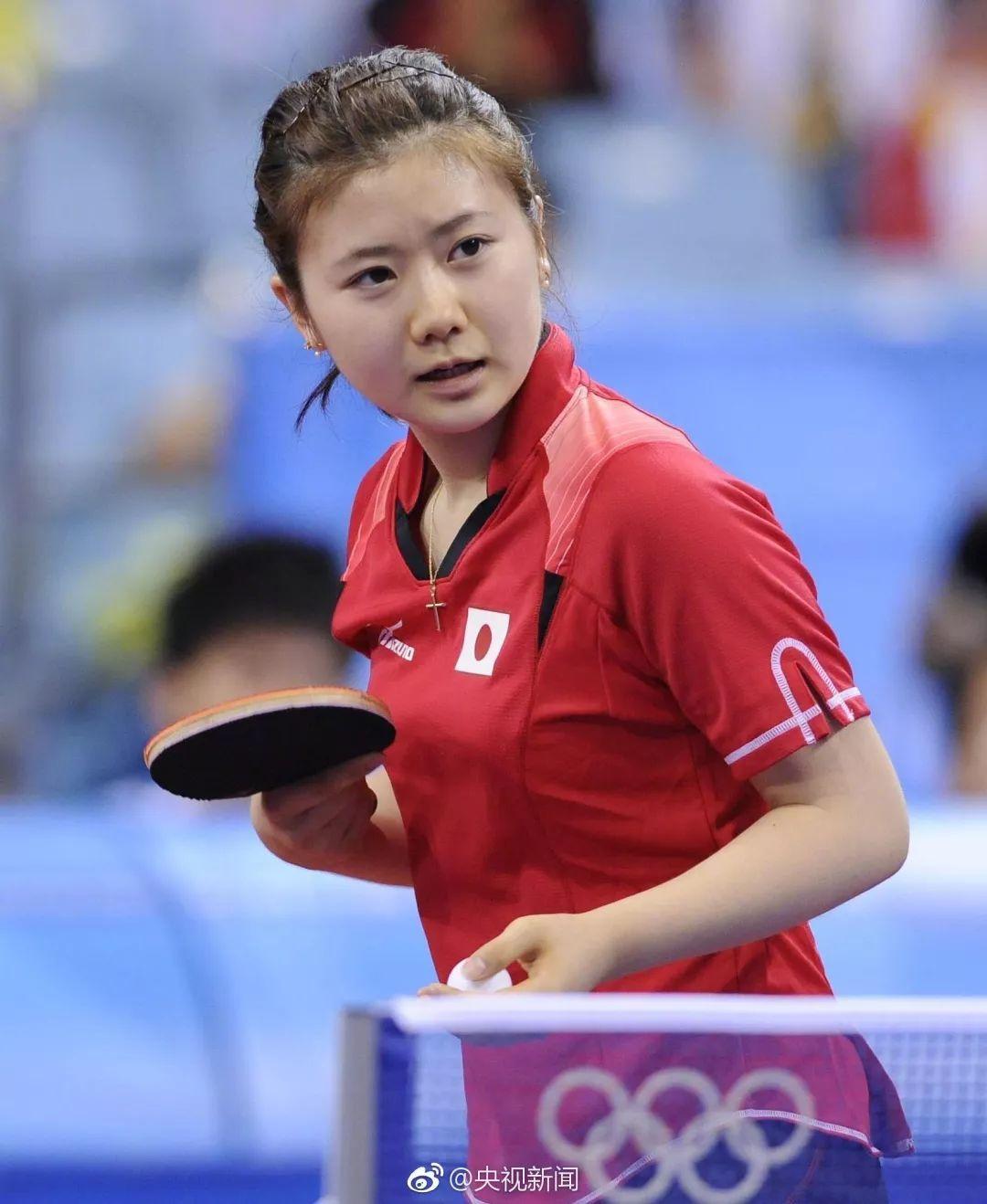 4岁参加日本年级小学生乒乓球v年级,第一次亮相就击败一名二全国的男打台球白球贴库怎样能打准图片