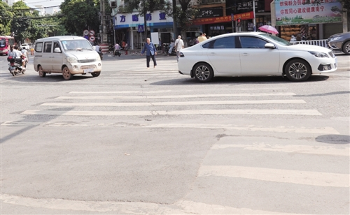 """8月不礼让""""黑榜""""出炉 南宁151辆机动车被曝光"""
