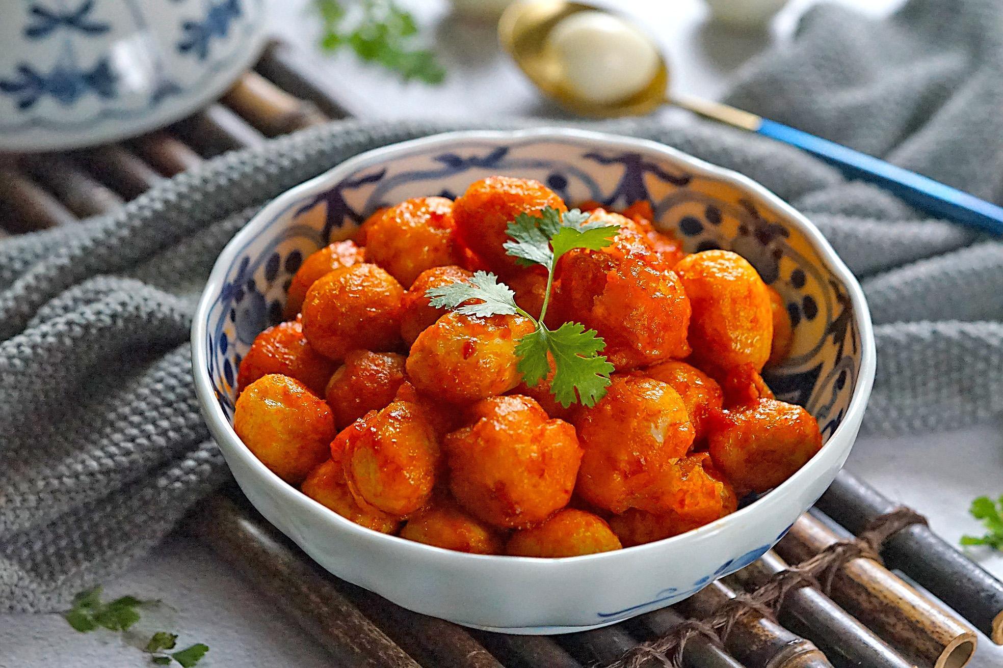 茄汁鹌鹑腊肠蛋年夜饭荷兰豆炒脆皮图片
