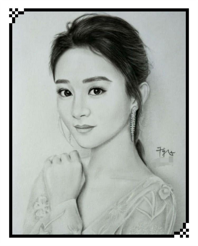 美术生手绘女明星肖像,赵丽颖杨幂太逼真,来猜猜最后的是谁?