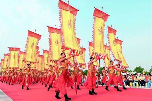 在国外,为什么华人专门喜欢坑华人?