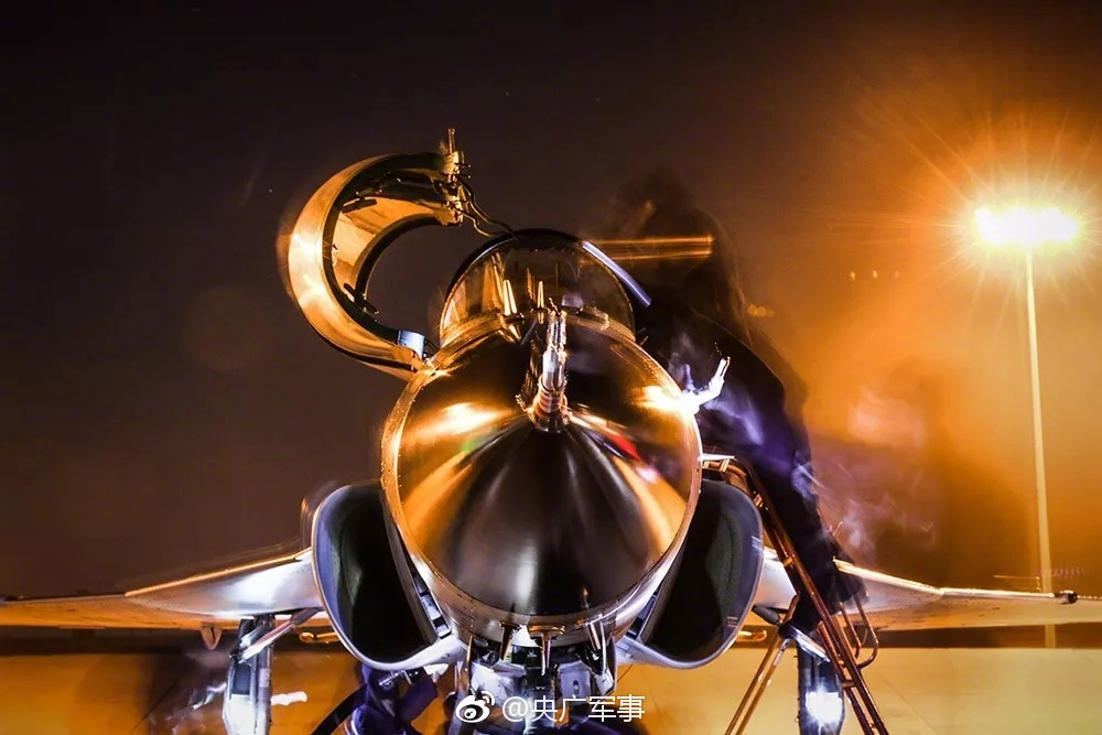 B2隐身轰炸机座舱画面首度公开!