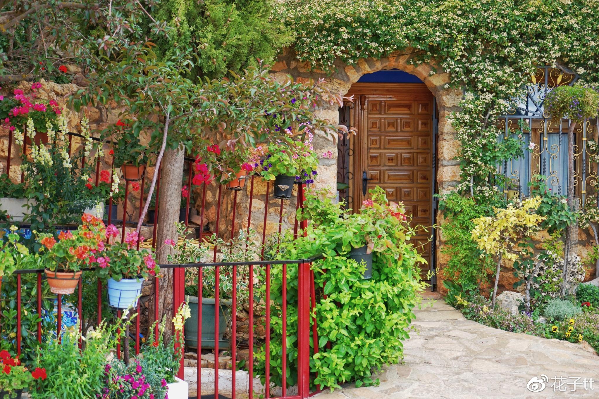 【西班牙】只有45个常住居民的小镇,有着世外桃源般的美景