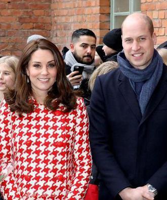 凯特王妃红色千鸟格大衣喜庆