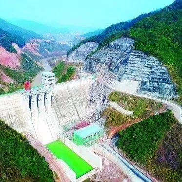 桂林斧子口水库蓄水部分公路永久性废 去资源改路了