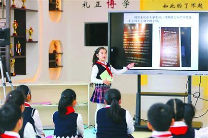 """构建""""贤文化""""德育 上海学生""""顽强指数""""高"""