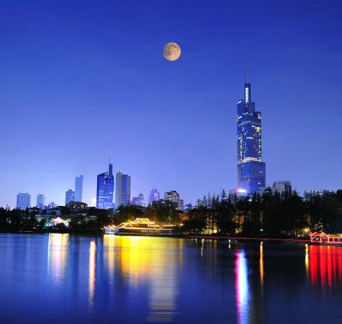 随笔:只有故乡的月色故乡的情最美