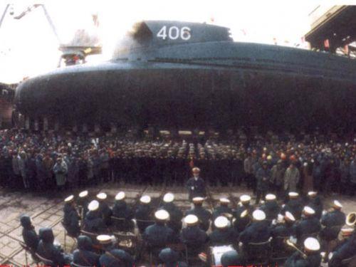 资料图:406号核潜艇服役