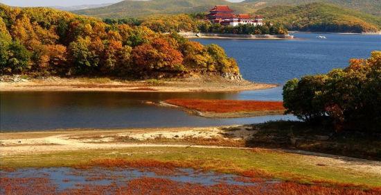 风景如画镜泊湖(图片来源于网络)