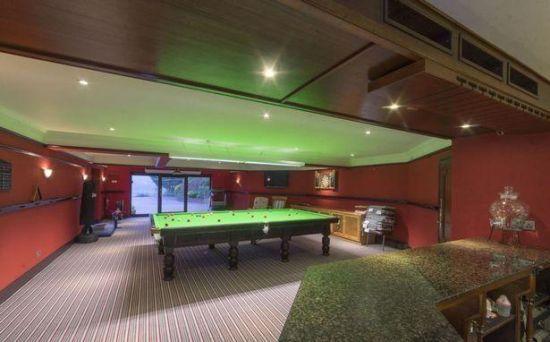 豪宅游戏室