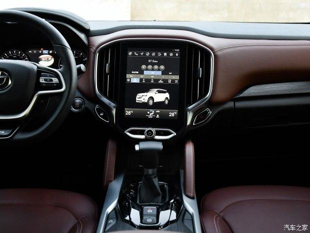 预计售8.98万起 中华V6新车到店实拍