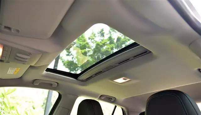 汽车天窗在这7个时候超好用 不会用太浪费