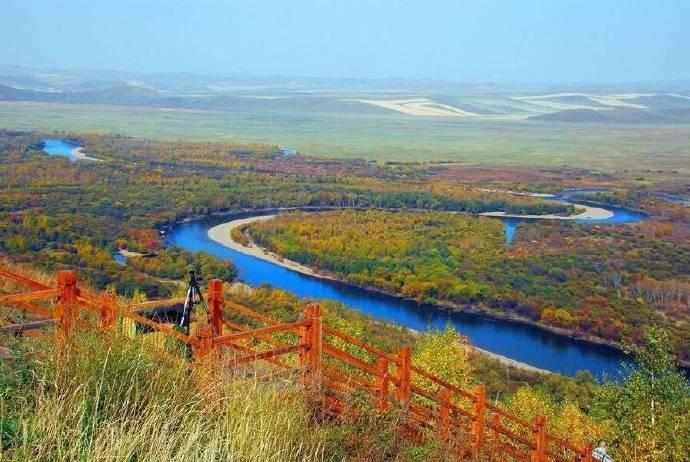 呼伦贝尔大草原的秋景