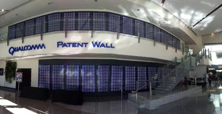 """高通总部贴满了专利的""""专利墙"""""""
