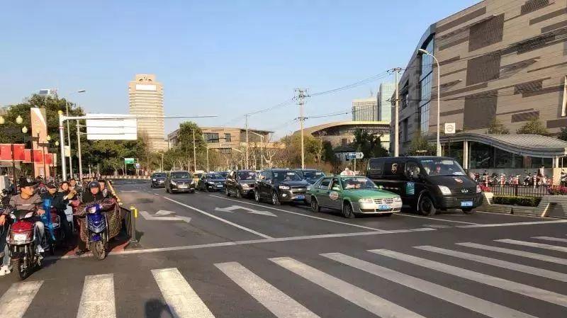 长宁虹桥路沿线改造完成 通行效率提升30%-50%