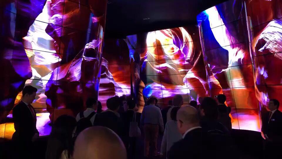 LG 92 英寸超级显示屏亮相 CES ,太惊艳!