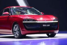 零跑S01,一款国产的纯电动小型跑车,补贴后11.99-15.99万