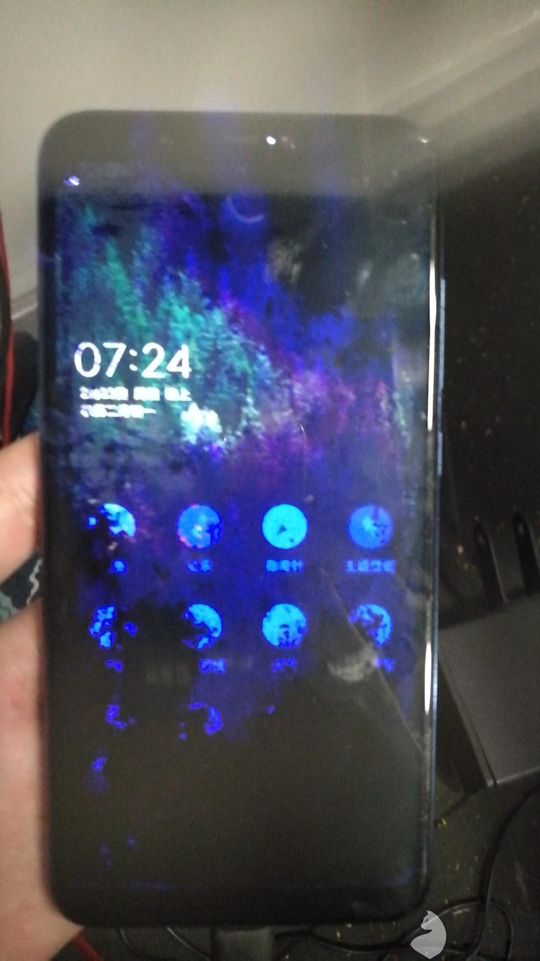 黑猫投诉:故意混淆AMOLED手机屏幕氧化和LCD手机屏幕漏液花屏概念,欺诈消费者