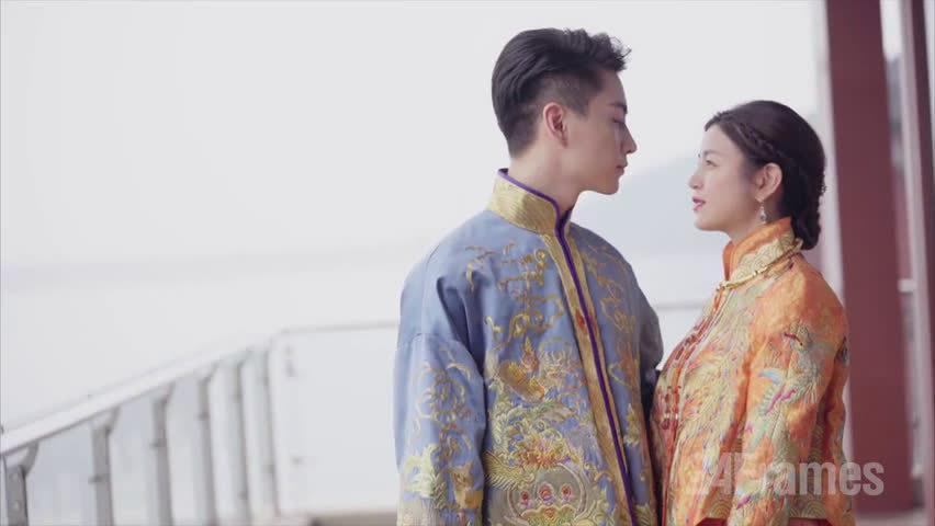 还记得当年陈晓陈妍希的婚礼时,陈晓的低头吻甜度爆表