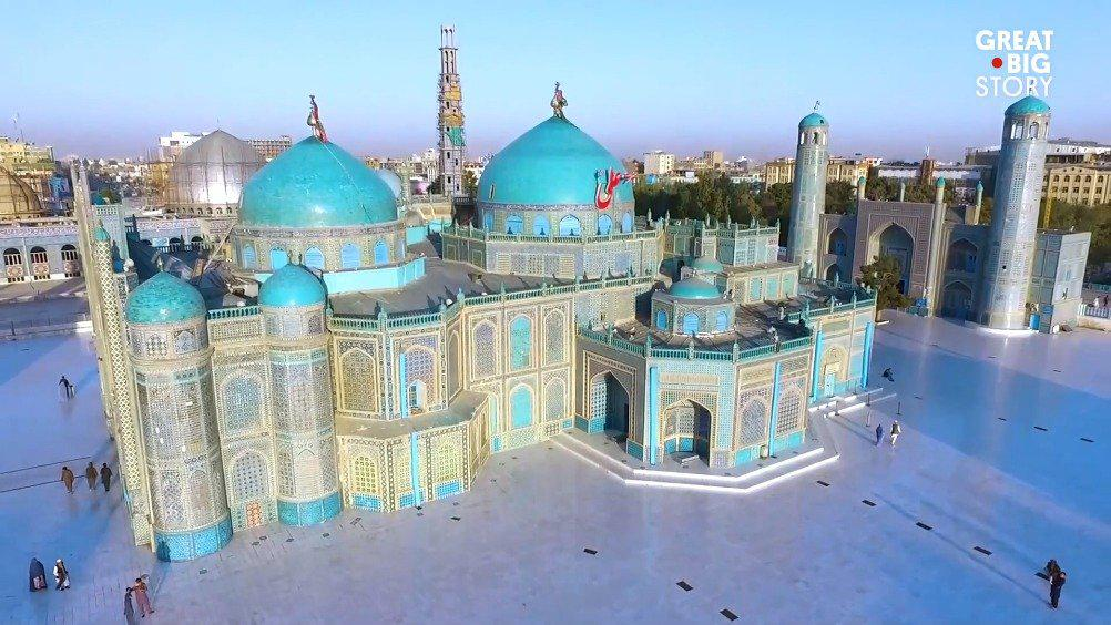 """始于12世纪的阿富汗第四大城市马扎里沙里夫""""蓝色清真寺""""是当地的地"""