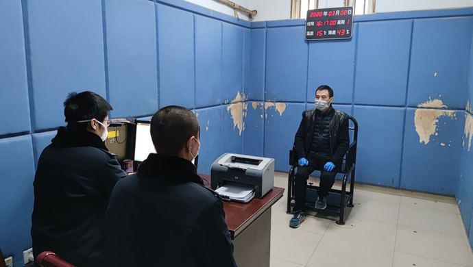 进价5.1元一盒的口罩竟售198元!男子涉嫌非法经营被上海警方抓获图片