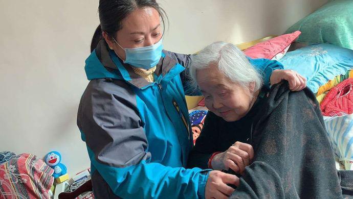 无法自理的老人缺护理怎么办?上海这些社区养老机构提供刚需服务图片