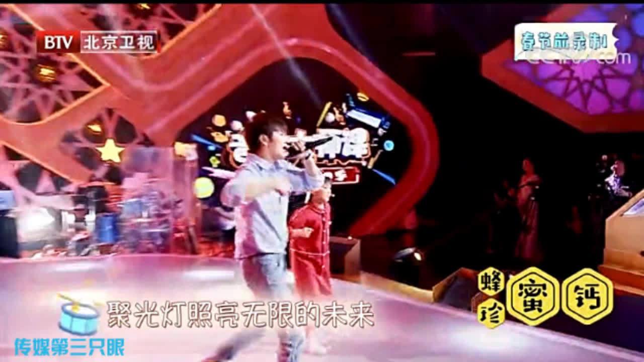 秦奋和小诺麒一起合作带来歌曲《最好的舞台》@秦奋Roi